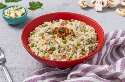 creamy-blue-cheese-risotto-with-bacon-and-peas