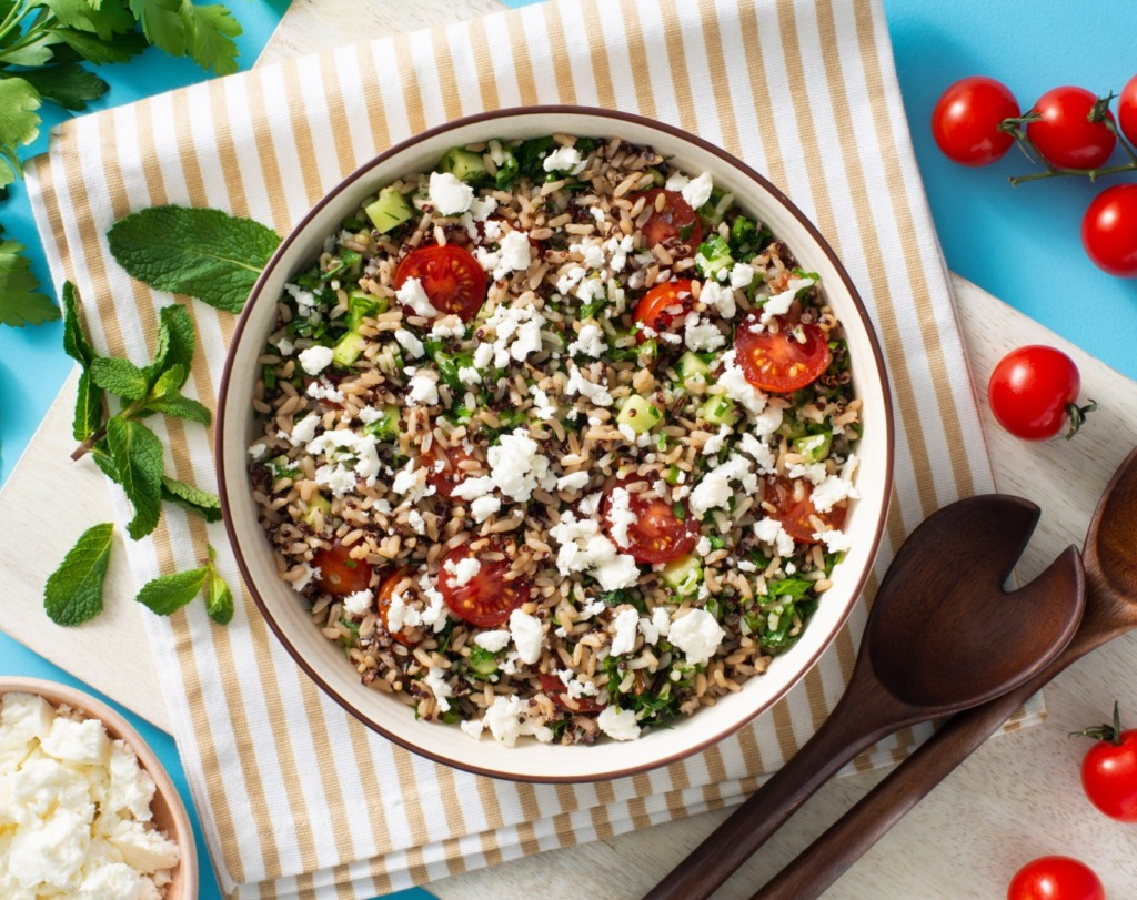 mediterranean-tabbouleh-salad-with-cherry-tomatoes-and-mint