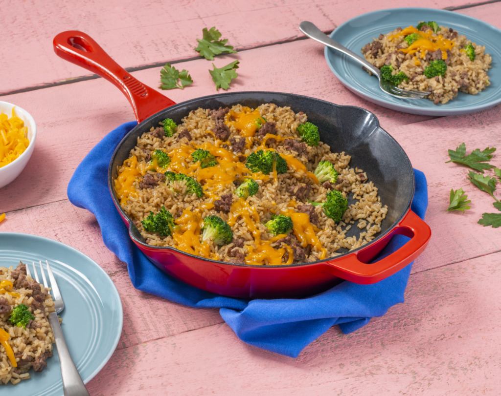 One-Pot-Beef-Broccoli-and-Rice-Skillet-with-cheese