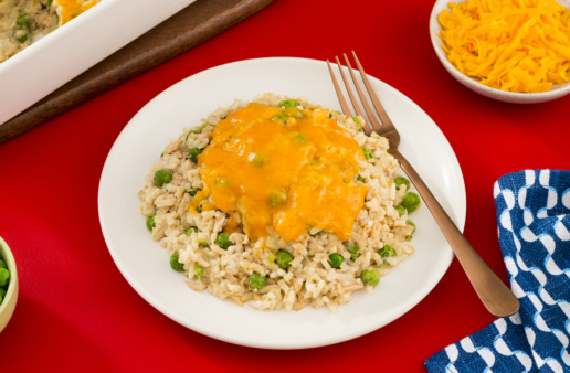 super-easy-tuna-casserole-with-green-peas-and-cheese