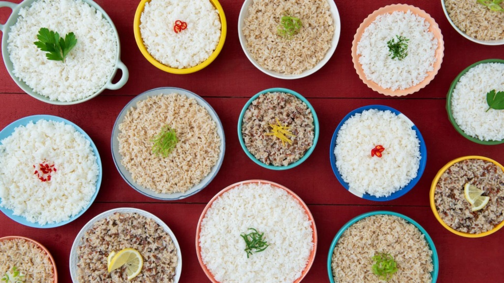 different rice varieties in many different bowls