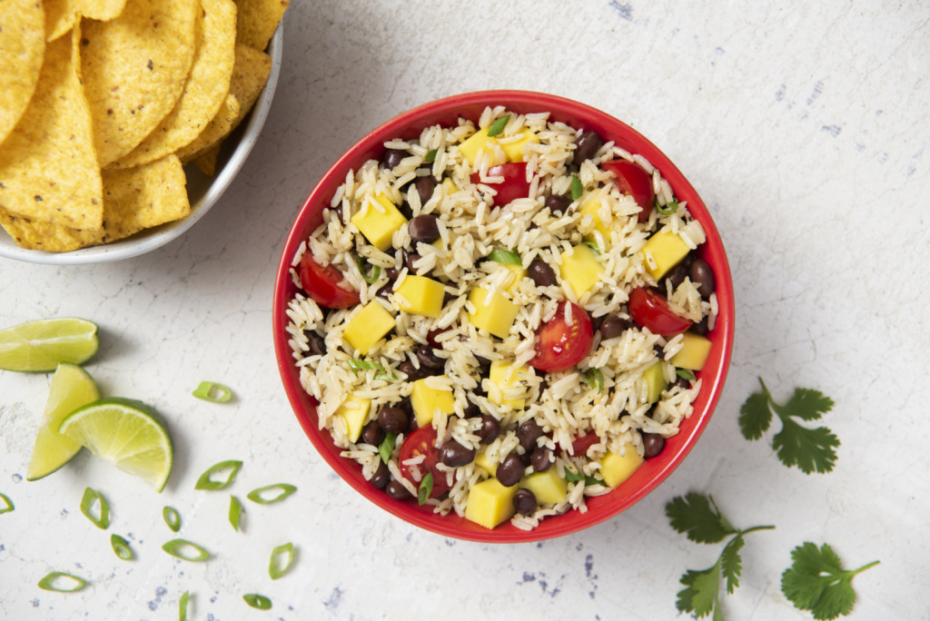 rice-salad-with-black-beans-and-mango