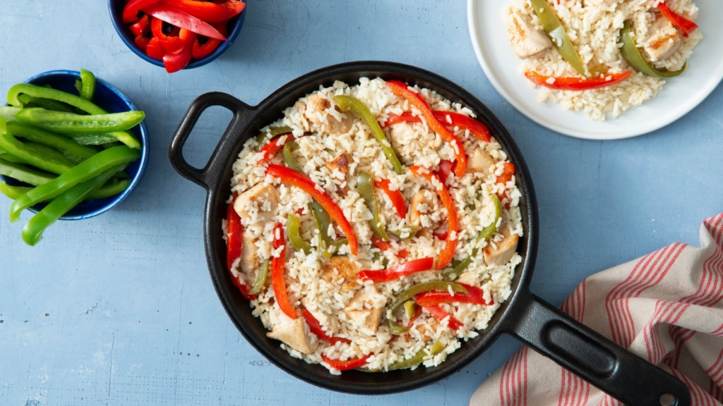 zesty-chicken-and-rice-skillet-with-bell-peppers-and-instant-rice
