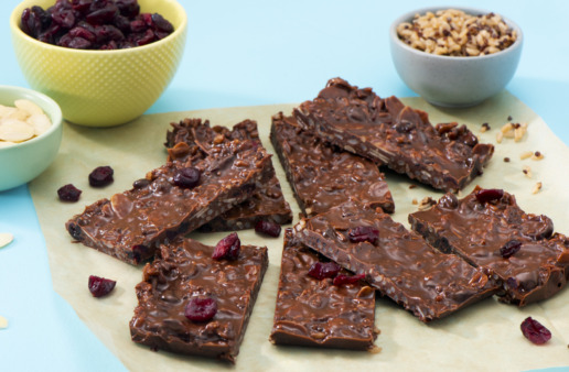 energy-rice-bars-with-brown-rice-quinoa-dark-chocolate-chips-peanut-butter-and-dried-cranberries