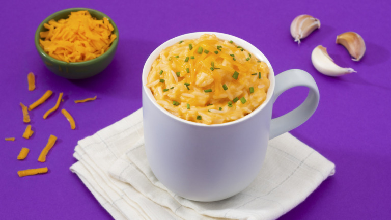 """""""Mac"""" and Cheese in a Cup"""