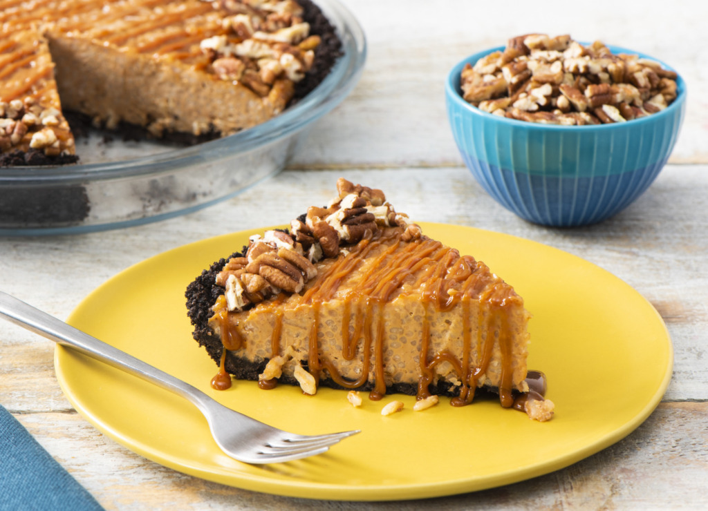 salted-caramel-ice-cream-pie-made-with-rice-pudding-and-topped-with-walnuts