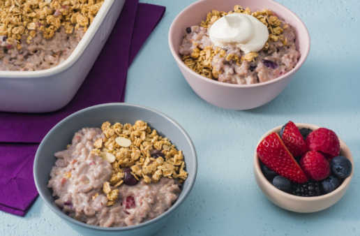 summer-berry-rice-pudding-crumble-topped-with-granola-strawberries-and-blueberries